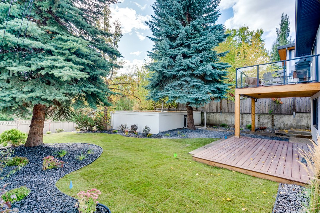 Calgary Landscaping, Lawn Care, & Snow Removal 4